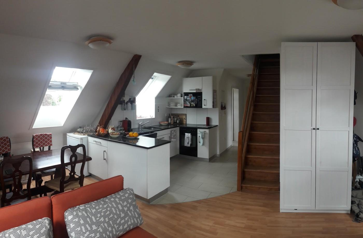 Miete: Dachwohnung + bewohnbarer Dachbboden